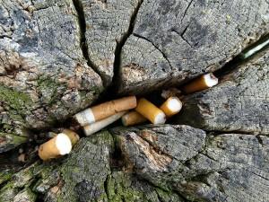 cigarettes-441216_1280